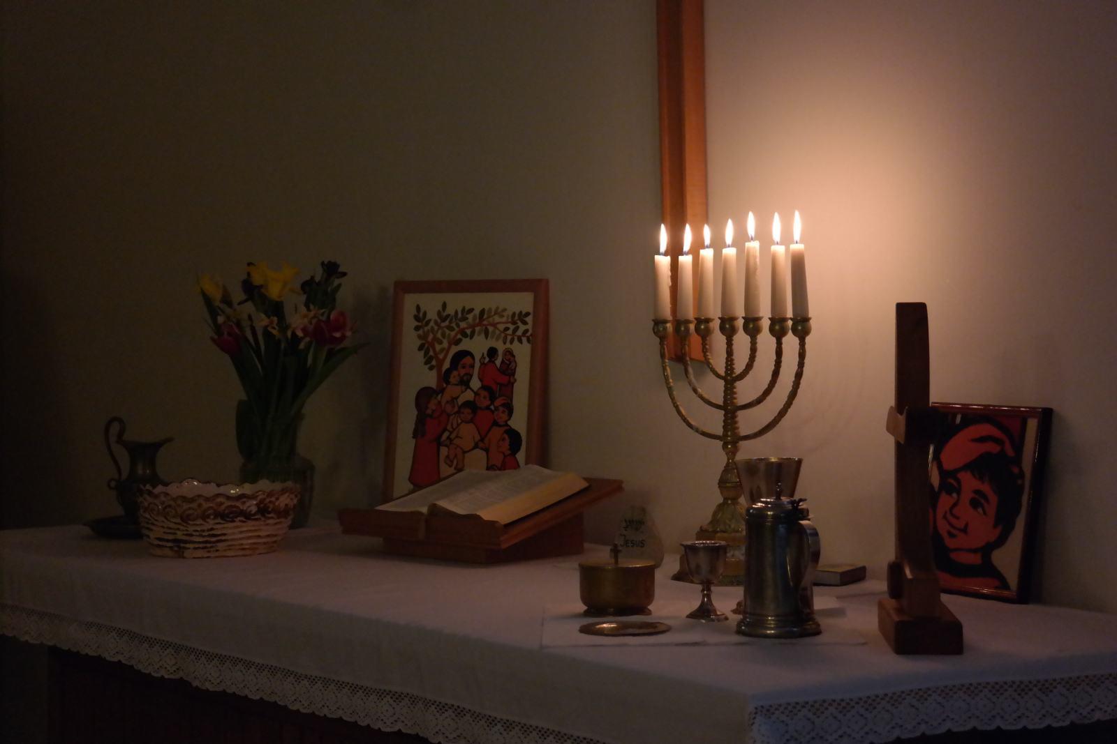 Mit Kindern feiern am Tisch des Herrn